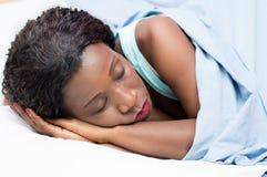 nätt sova kvinna Royaltyfria Foton