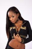 Nätt svart kvinna i blus Royaltyfri Bild