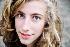 nätt tonårs- för flicka Arkivfoton