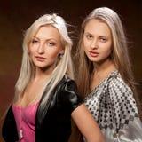 nätt två kvinnor Royaltyfri Foto