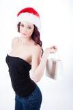 Nätt ung kvinna med gåvapåsen Arkivfoton