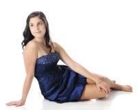 Nätt ungt tonårigt i Formalwear Fotografering för Bildbyråer