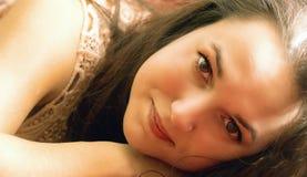 Nätt vila för ung flicka Royaltyfria Bilder