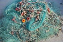 Nätverk som är klara att stiga ombord de medelhavs- fiskebåtarna, Spanien Royaltyfri Fotografi