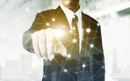 Nätverks- och anslutningsteknologibegrepp, dubbel exponering av bu Royaltyfria Bilder