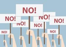 Näve och plakat, protestbegrepp Arkivbild