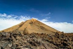 Nå en höjdpunkt av vulkan El Teide, Tenerife, kanariefågelöar Fotografering för Bildbyråer