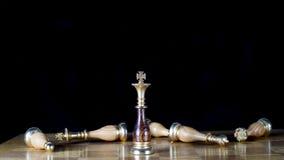 Chessmen på schackbrädet Arkivbilder