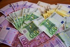 Några eurosedlar Fotografering för Bildbyråer
