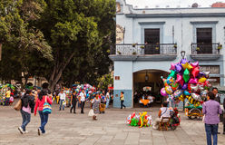 Några lokaler i ZÃ-³caloen, Oaxaca de Juà ¡ rez, Mexico fotografering för bildbyråer