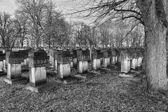 Nécropole Danzig Zaspa, Pologne Regard artistique dans le noir et le petit morceau Image stock