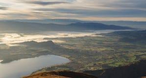 Négligence nuageuse de matin du lac Wanaka Île du sud de la Nouvelle Zélande photos stock