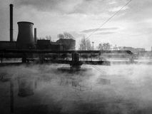 Névoa checa industrial do encanamento de Ostrava Mittal do objeto metálico foto de stock