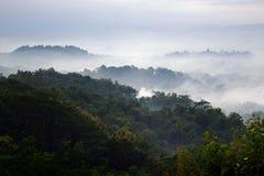 Névoa da manhã em Yogjakarta Fotografia de Stock Royalty Free
