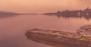 Névoa do amanhecer sobre o lago Windermere Foto de Stock Royalty Free