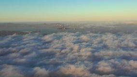 Névoa do nascer do sol e da manhã em San Francisco Bay Area, Califórnia do norte vídeos de arquivo