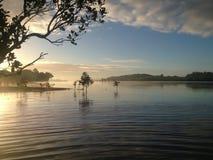 Névoa em uma manhã do ` s do inverno - entrada do mar de Kerikeri, Northland, novo Fotografia de Stock Royalty Free