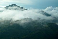 Névoa nas montanhas Fotografia de Stock