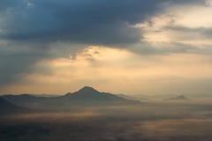 Névoa sobre as montanhas Imagem de Stock Royalty Free