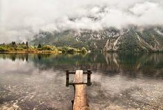 Névoa sobre o lago Fotos de Stock Royalty Free