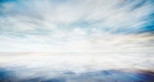 Nível do mar bonito com o céu azul da fantasia Imagem de Stock