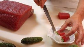 Nóż ciie surowego mięso zdjęcie wideo