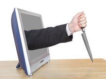 Nóż w męskiej ręce opiera out TV ekran Zdjęcie Royalty Free