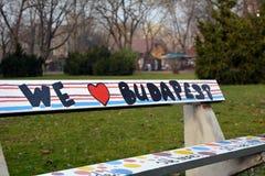 Nós amamos o banco de Budapest no parque foto de stock royalty free