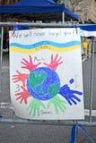Nós nunca esquecê-lo-emos como o texto perto da rua de Boylston em Boston, EUA, Imagens de Stock Royalty Free