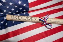 Nós povos EUA América direitos constitucionais o 4 de julho na bandeira da estrela e das listras Foto de Stock