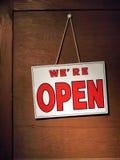 Nós somos sinal do estar aberto Imagens de Stock Royalty Free