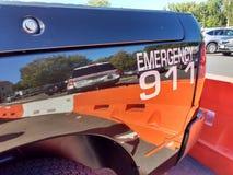 Nöd- ring 911, dekalen på en polisfordon, USA Arkivfoton
