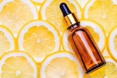 Nödvändig aromatisk olja för citrus Arkivfoto