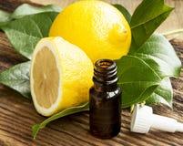 nödvändig citronolja royaltyfria foton