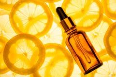 Nödvändig olja för citrus Fotografering för Bildbyråer