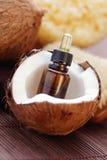 Nödvändig olja för kokosnöt Royaltyfri Foto