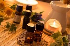Nödvändiga oljor för aromatherapybehandling Arkivbild