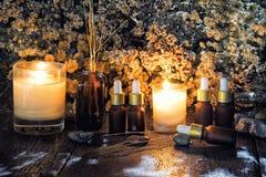 Nödvändiga oljor för organisk aromatherapy arkivbild