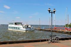 Nöjeångare på sjön Steinhuder Meer, Tyskland Arkivbilder