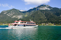 Nöjefartyg av Achensee i tyrol (Österrike) Arkivfoto