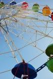 Nöjesfält för pariserhjul offentligt royaltyfria bilder
