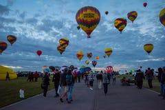 Nöjesgata för Albuquerque internationell ballongfiesta- arkivbild