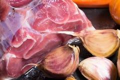 Nötkött och vitlök Arkivbild