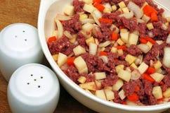 Nötköttfärs- och blandninggrönsaker Arkivbilder