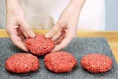 nötköttmatlagningjordning Arkivbilder
