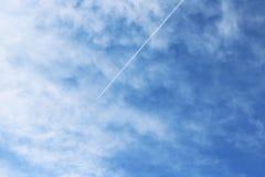 Núblese el color azul del ozono de la estación del fondo de la naturaleza del cielo Fotos de archivo libres de regalías