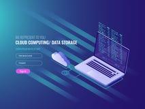 Núblese el concepto computacional, el ordenador portátil abierto con el icono de la nube y el código de programa en el pedregal,