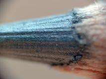 Núcleo preto da grafite do lápis no corpo de madeira fotos de stock