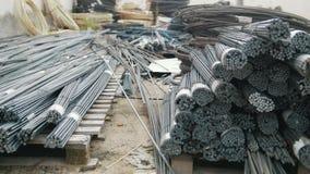Núcleos nas hastes - produção pronta da fibra de vidro na planta filme