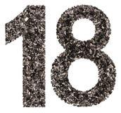 Número árabe 18, dieciocho, de negro un carbón de leña natural, aislador Imagenes de archivo
